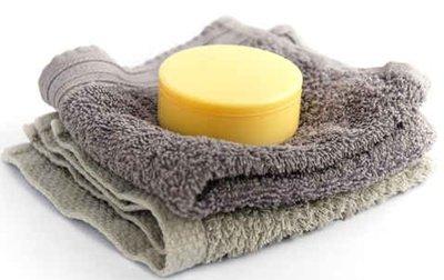 Après-shampooing solide ultra brillance : recettes de cosmétiques naturels avec macosmetoperso
