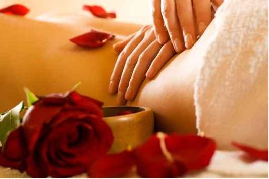 Bougie pour massage sensuel : recettes de cosmétiques naturels maison avec macosmetoperso