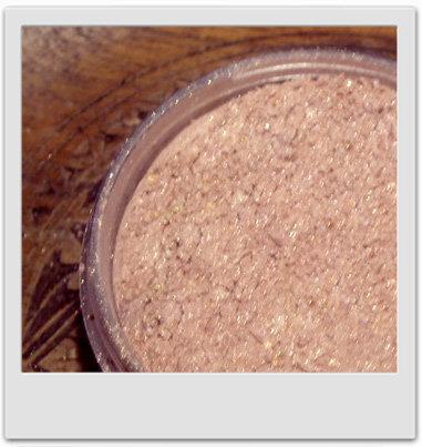 Poudre éclat cuivré blush et petites touches : recettes de cosmétiques naturels maison avec macosmetoperso
