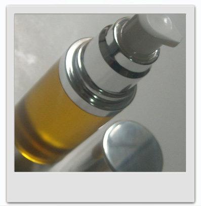 Sérum de nuit luxueux des peaux matures : recette de cosmétique naturel maison avec macosmetoperso.com
