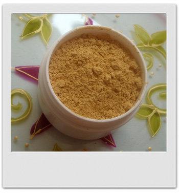 Teint soleil doré : la poudre matifiante révélatrice d'éclat - recettes de cosmétiques naturels maison avec MaCosmetoPerso
