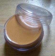Fond de teint beige doré : recettes de cosmétiques naturels maison avec macosmetoperso
