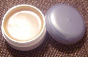 Soin douceur pour les mains au jasmin : recettes de cosmétiques naturels avec macosmetoperso.com