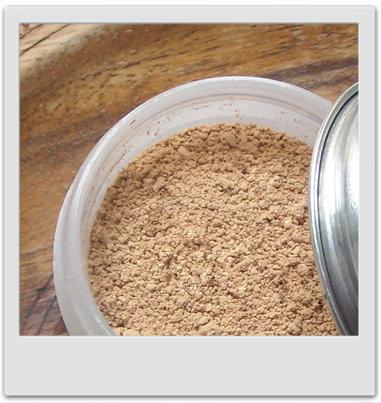 Poudre libre abricotée pour teints clairs : recettes de cosmétiques naturels maison avec macosmetoperso