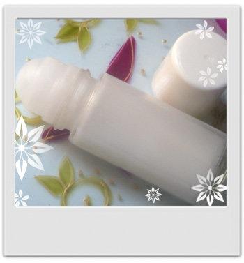 Lait déodorant douceur patchouli rose : recette de cosmétique maison avec MaCosmetoPerso