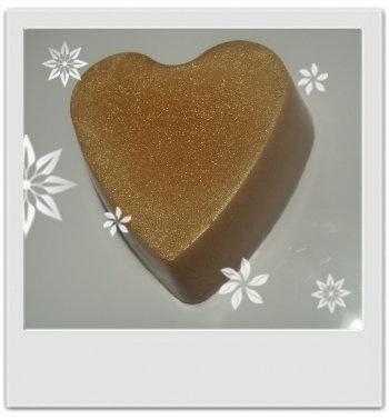 Savon floral doré : recette de cosmetique maison avec MaCosmetoPerso