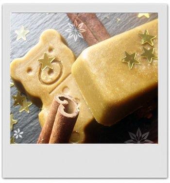 Fondant moussant de douche senteurs de Noël : recette de cosmétique maison avec MaCosmetoPerso