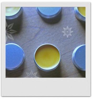 Baume réparateur très doux pour mains malmenées par le froid : recette de cosmetique maison avec MaCosmetoPerso