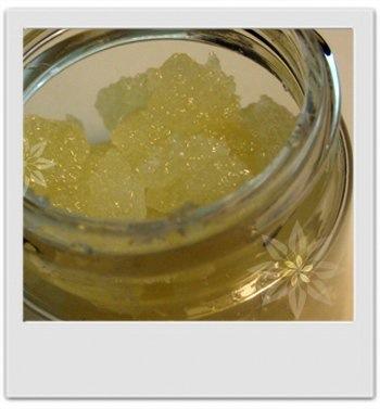 Gommage nourrissant pour les lèvres miel et coco : recette de cosmétique maison avec MaCosmetoPerso