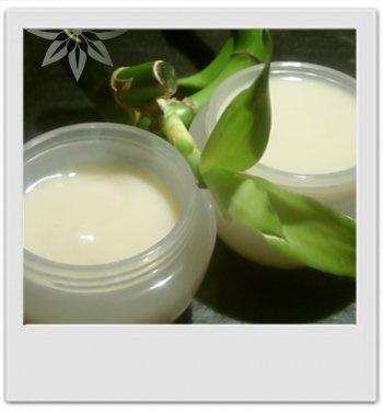 Gelée crème pour le corps au frangipanier : recette de cosmetique maison avec MaCosmetoPerso